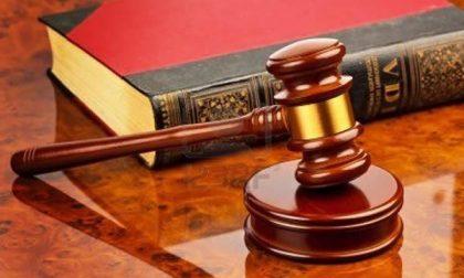 37enne alla sbarra per molestie alla fidanzata: assolto