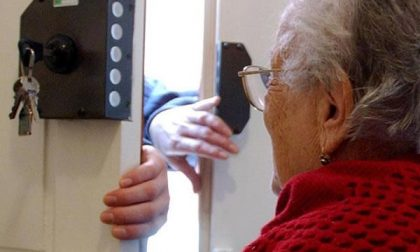 Coniugi anziani truffati da finti postini