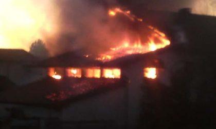 Mezzomerico: incendio di via Cerea, intervento concluso in serata