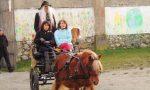 Niente scopa, a Borgomanero la Befana è arrivata in calesse