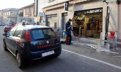 Rubano macchinette a Cerano. Inseguiti dai carabinieri