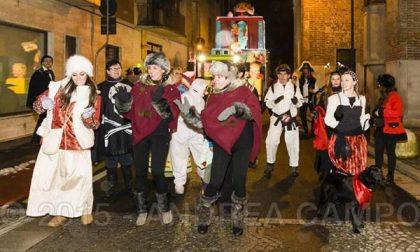 Galliate: la città nelle mani dei re del Carnevale (FOTOGALLERY)