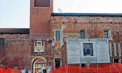 «Si sapeva che il Castello non era idoneo per la biblioteca, c'era bisogno di spendere 25.000 euro per uno studio?»