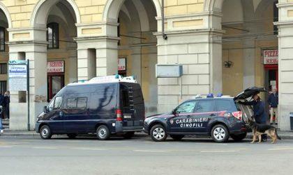 Carabinieri impegnati in un controllo antidroga in zona autostazione e stazione ferroviaria