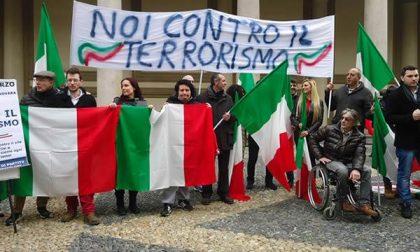 In piazza Duomo manifestazione contro il terrorismo
