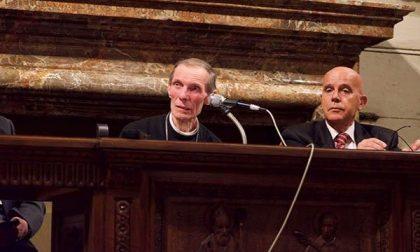 """I vescovi Corti e Brambilla hanno presentato il libro """"Vivere la carità… insieme"""""""