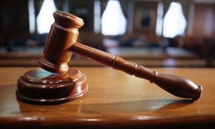 Condanna a 8 mesi per padre e figlio a processo per maltrattamenti