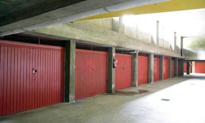 "Raid in un palazzo: ""ripuliti"" 10 garage"