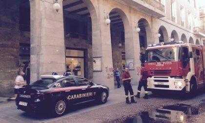In corso Cavour carabinieri e vigili del fuoco