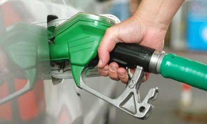 """Lo sfogo di una benzinaia: """"in internet video sul come scassinare un distributore"""""""