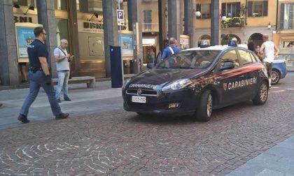 Carabinieri e Polizia in corso Cavour alle 16