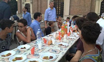Dopo il digiuno per il Ramadan, cena di iftar in piazza a S. Agabio