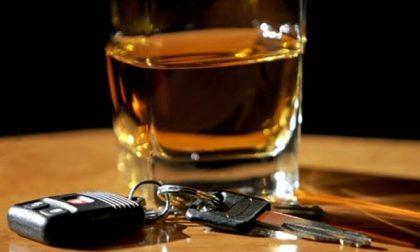 Giovane alla guida sotto effetto d'alcol: denunciata