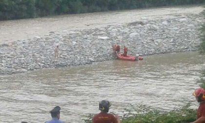 Non riescono a tornare a riva, due bagnanti salvati nel Sesia