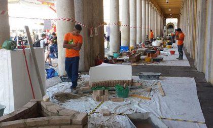 Ediltrophy, muratori in gara in piazza Martiri (FOTOGALLERY)