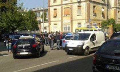 In 4 litigano in mezzo alla strada in corso Trieste: arrestati