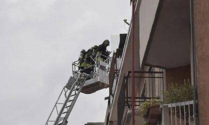 Porta Mortara: in fiamme due appartamenti e il tetto di uno stabile