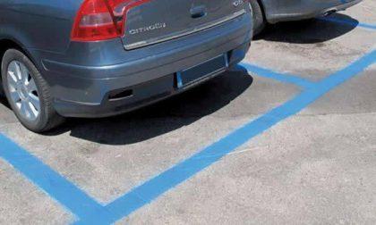 """Un tocco di blu e l'automobilista è """"servito"""""""