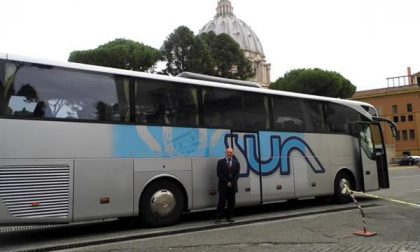 Bus della Sun in Vaticano per l'apertura dell'Assemblea generale ordinaria del sinodo dei vescovi