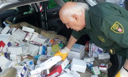 Farmaci abbandonati: erano aiuti per l'Africa