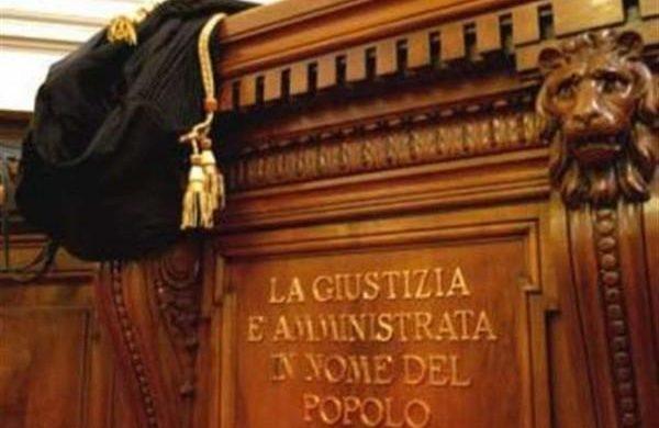 Uccise una donna per tre euro: condannato all'ergastolo