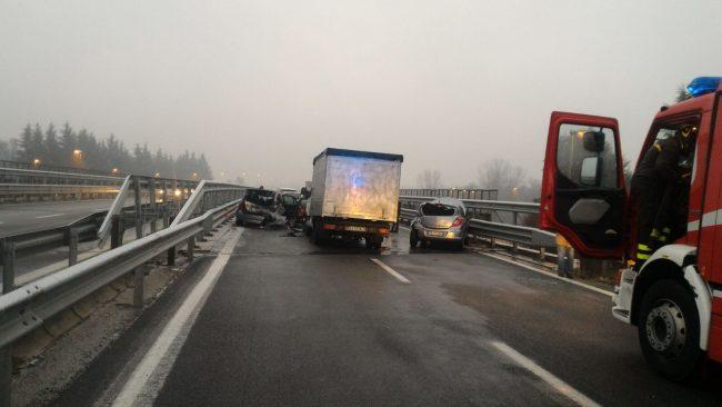 Doppio incidente sulla tangenziale: coinvolte 7 auto