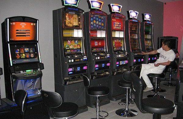 Gioco d'azzardo in Piemonte: depositati oltre 20mila emendamenti