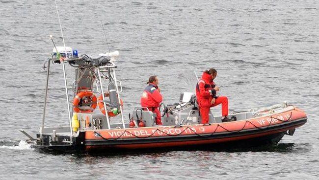 Si getta nel lago Maggiore: muore un 34enne
