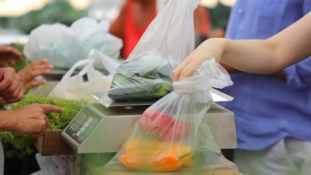 Sacchetti di plastica, addio: dal 1° gennaio solo bio, compostabili e…a pagamento