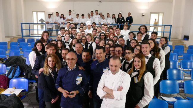 Studenti del Ravizza in finale al cooking quiz con chef Rubio