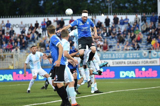 Il Novara calcio sconfitto dall'Entella in casa retrocede in serie C