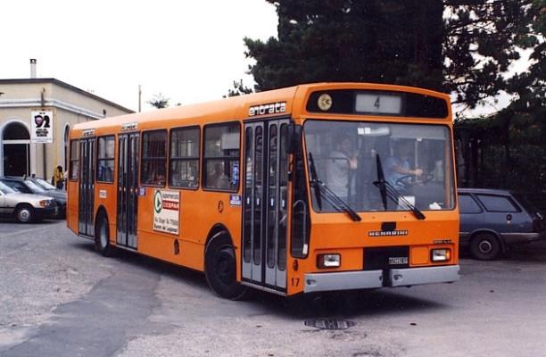 Sul bus senza biglietto, aggredito autista