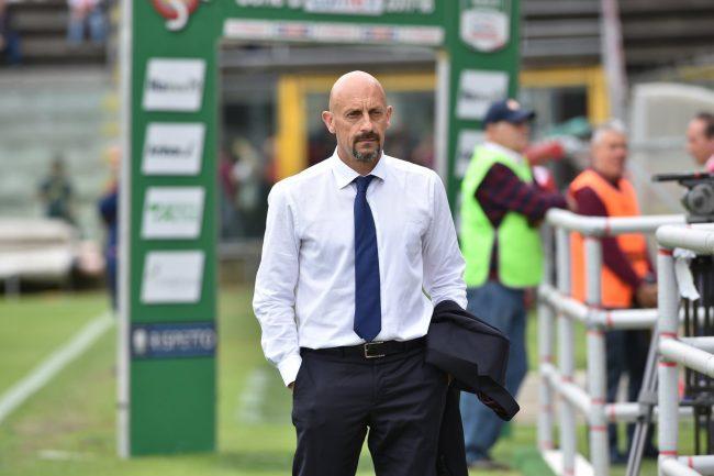 Perugia, esonerato il tecnico Breda: sarà Nesta il sostituto in panchina
