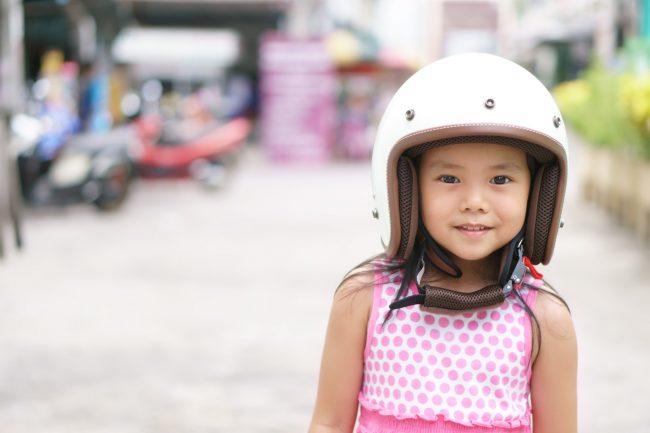 Bambini, come portarli in moto in tutta sicurezza