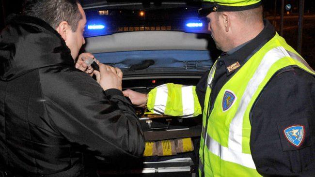 Conducenti ubriachi: controlli a tappeto della Polstrada nel novarese
