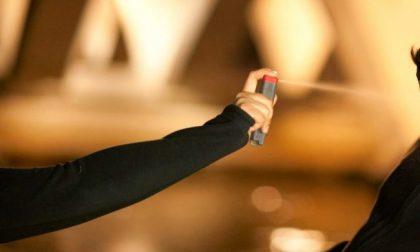Spruzzano spray al peperoncino al concerto di Sfera Ebbasta
