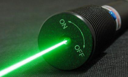 Raggi laser contro i piloti, indaga la Procura