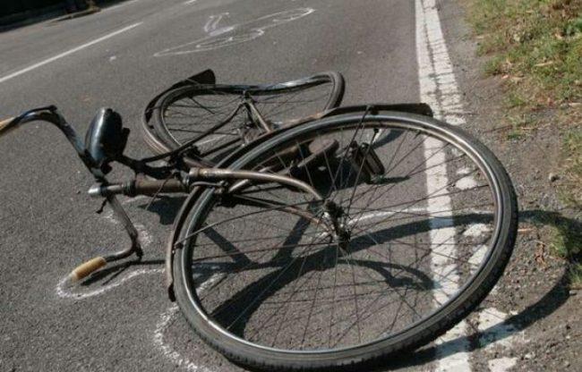 Ciclista investito ad Ameno: l&#8217&#x3B;automobilista lo porta in ospedale