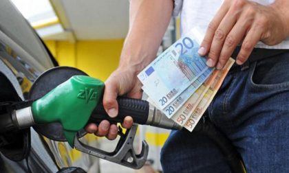 Piemonte abolita l'imposta regionale sulla benzina