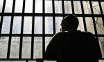 """Violenze sui detenuti: """"Picchiavano e ridevano"""". Indagato anche il direttore del carcere"""
