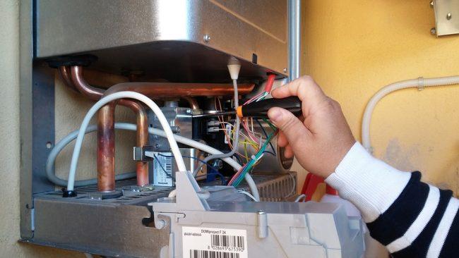 Manutenzione caldaie, controllo fumi e valvole