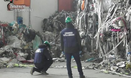 I carabinieri del Noe di Milano sequestrano oltre 1500 metri cubi di rifiuti e due capannoni adibiti a discariche abusive nel Novarese