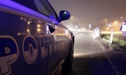 Castelletto poliziotto rischia di essere investito da auto in fuga