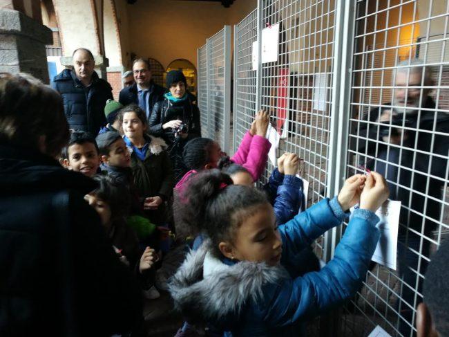 I pensieri dei bambini novaresi sul Natale viaggiano sui bus FOTOGALLERY