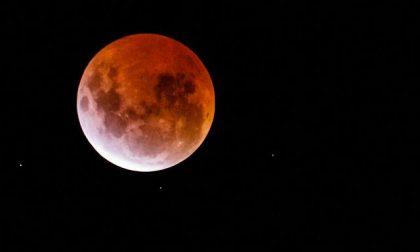 Luna rossa: ve la siete persa? Ecco delle splendide immagini