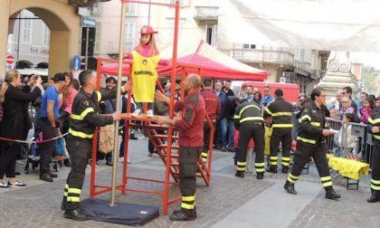 La Befana arriva con i vigili del fuoco