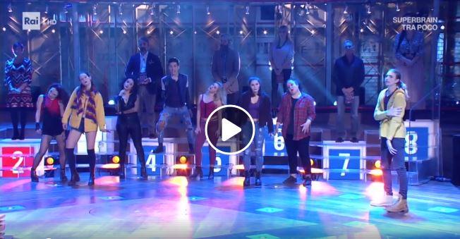 Queen: guarda il video delle suore che ballano We Will Rock You