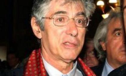 Condizioni stabili per Umberto Bossi a Varese: il bollettino medico