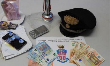 Trecate nascondeva droga in una torcia: arrestato