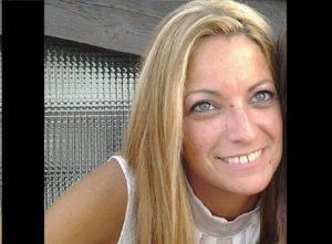 Simona bruciata in auto: è ancora grave al Cto